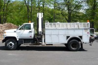 #8058 2001 GMC C8500; IMT KNUCKLEBOOM MODEL 1295-9000