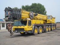 Used 220 ton Grove mobile crane