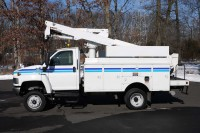 8430 – 2005 GMC C5500 4X4; 37′ ALTEC AT37G BUCKET TRUCK
